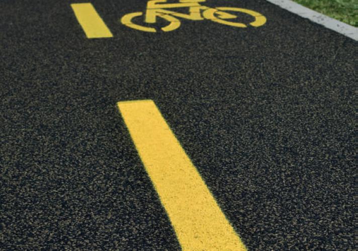 Figyelemre méltó innováció a kerékpárút építésben